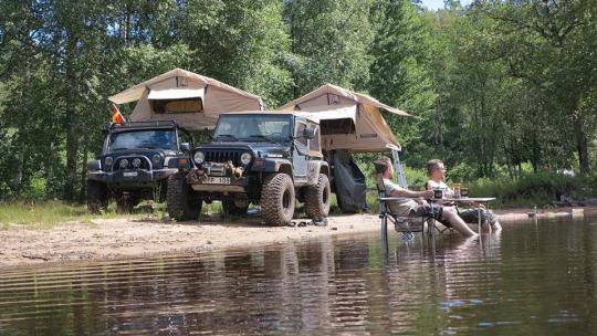 JeepWranglerOutpost.com-jeep-c&ing-rooftop-tents & Jeep camping with rooftop tents | Jeep Wrangler Outpost
